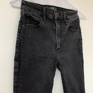 Abercrombie&Fitch Simone High Rise Ankle Jeans